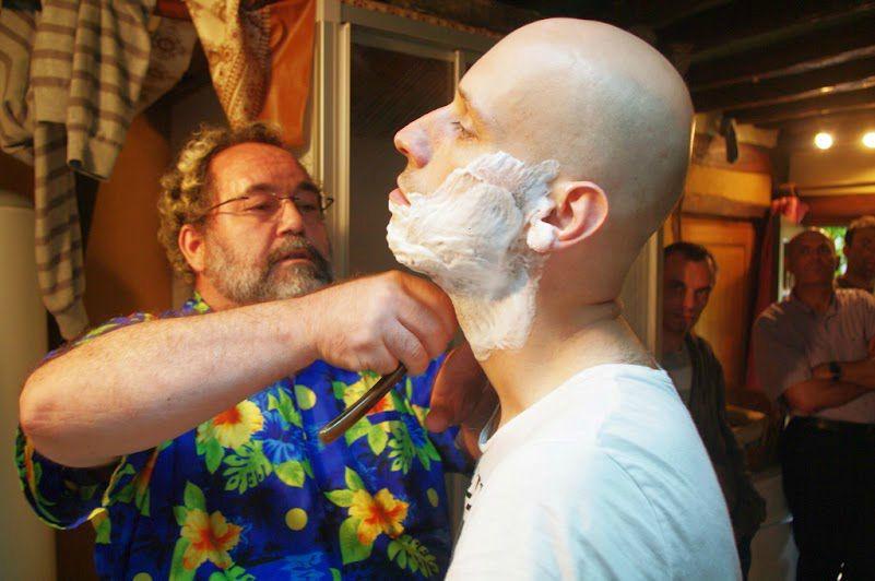 barbier s'excerce sur Jimmy